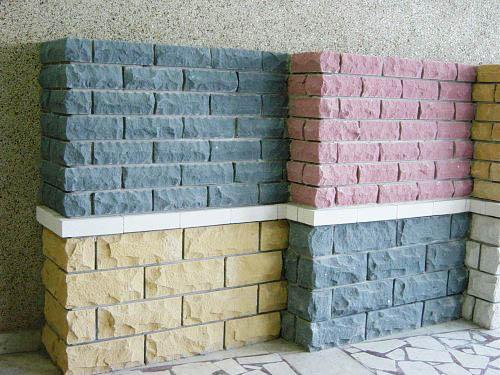 """Термин """"руст"""" обозначает или сам такой камень, или разделительную полосу между выложенными камнями."""