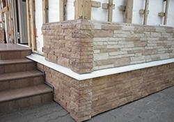 Фиброцементный сайдинг многим известен под названием цементно-волокнистого