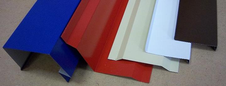 Компании, производящие доборные элементы, стараются разнообразить ассортимент и выпускают комплектующие в широкой цветовой гамме