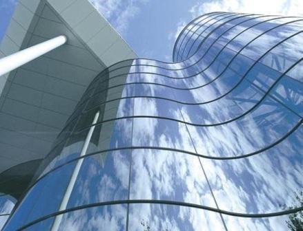Основой для прозрачного фасада служит алюминиевая несущая конструкция