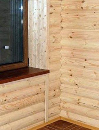 Слой утеплителя помещают между брусьями обрешетки, затем крепят блок-хаус