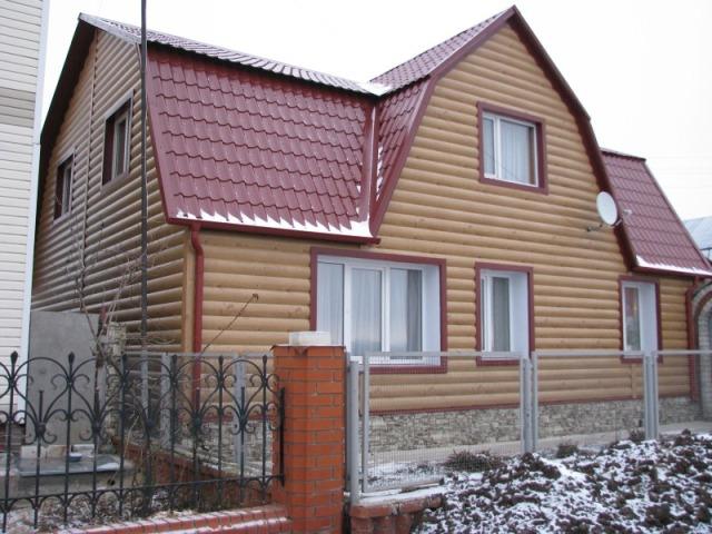 Деревянный блок-хаус поступает в продажу, имея четыре класса, определяемых качество материала
