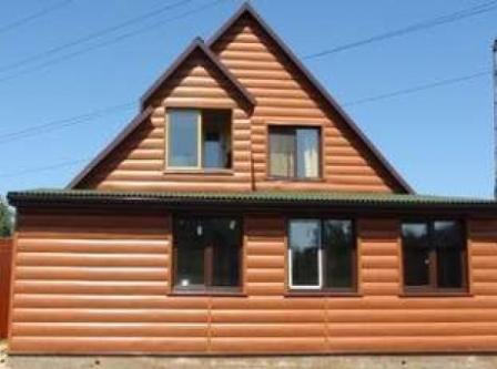 Применение блок-хауса в экстерьере при отделке фасада дома при разумных вложениях его владельца позволяет создать своеобразный и уникальный вид
