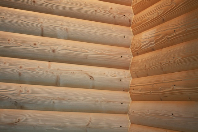 В зависимости от выбора способа крепления могут понадобиться дополнительные деревянные пробки, чтобы закрыть отверстия, предназначенные для саморезов, с лицевой панели доски