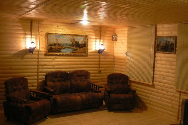 Материал – для работ внутри дома можно использовать любые породы деревьев, которые вам нравятся, если речь идет о жилых помещениях