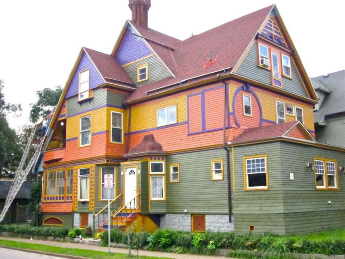 Проект цветового оформления дома может базироваться на использовании сразу нескольких цветов