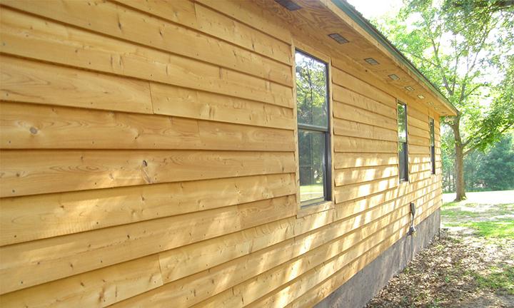 Следует помнить, что деревянный тип сайдинга может не иметь какого-либо оттенка, так как подлежит окрашиванию после установки