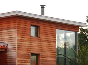 Использование натуральных материалов для отделки фасада снова набирает популярность