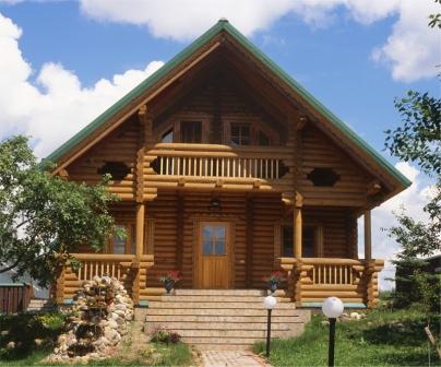 Деревянный дом – символ уюта и не зря отличительной характерной особенностью натурального дерева является тепло