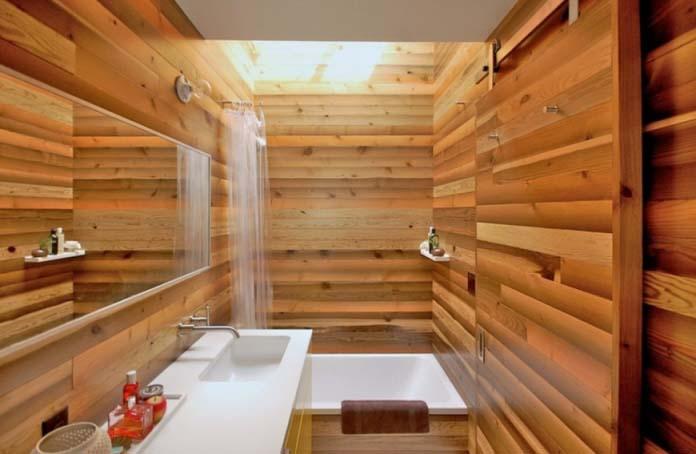 В последние годы отделка в ванных комнатах очень часто осуществляется с использованием ПВХ-панелей