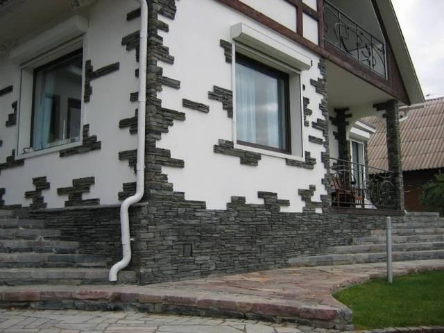 Декорирование стен является завершающим этапом строительных работ и, выполняя ее своими руками, следует знать, что для наружной и внутренней отделки используются разные отделочные материалы и технологии монтажа