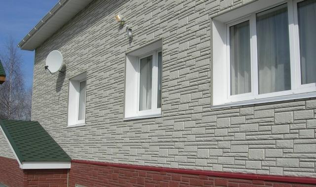 Фасадная плитка не требует профилактики, возможен фрагментарный ремонт при необходимости