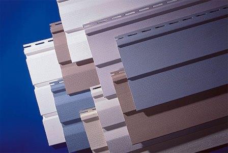 Самый распространенный вид  панелей – пластиковый сайдинг