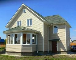 Стильный и уютный частный дом относительно недавно стал создавать конкуренцию городским квартирам