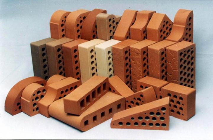 Декоративный керамический кирпич обладает превосходными эксплуатационными свойствами