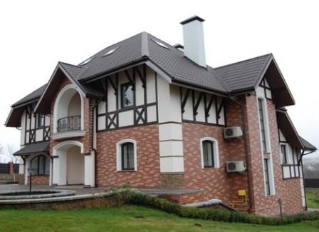 Клинкерная плитка может полностью преобразить фасад дома, придав ему вид настоящего художественного произведения