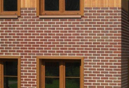 Основание, на которое планируется укладка фасадной плитки из клинкера, требует правильной подготовки