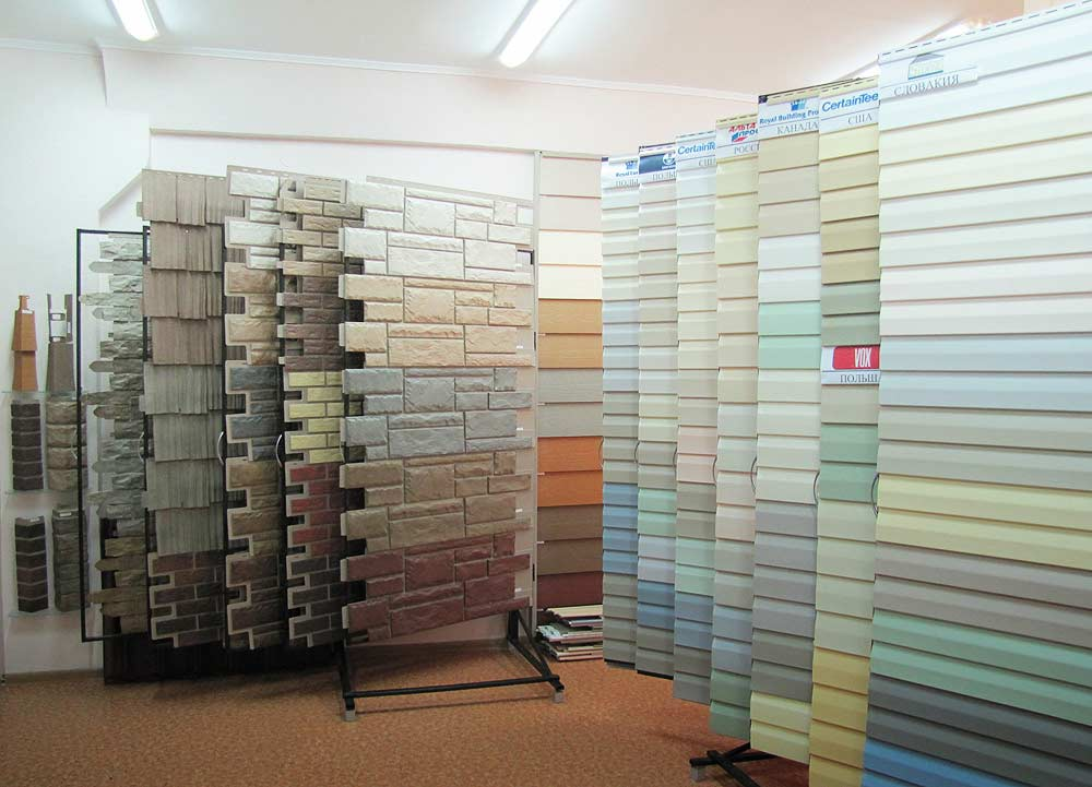Виниловый сайдинг может быть выполнен в различных вариациях цвета. При этом все цвета можно подразделить на три большие группы:  пастельные, цветные, белые