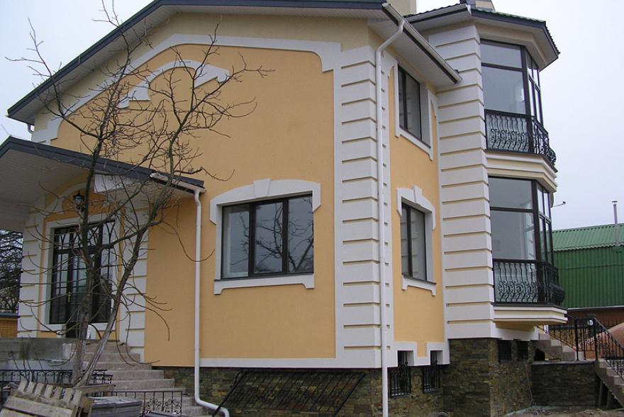 Фасад дома отделка декоративным камнем углы