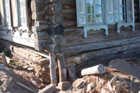 Обратная сторона экологичности деревянного дома – подверженность разрушительному воздействию микроорганизмов