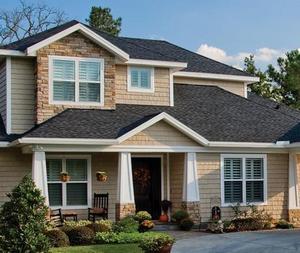 Популярность фасадных плит растет из года в год. Красота и практичность такой отделки завоевала многих