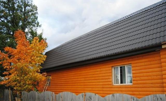 Лаки - наиболее актуальны в том случае, когда главной задачей является повышение эстетических характеристик древесины