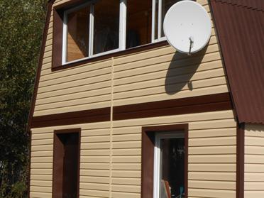 Околооконная планка – это элемент фурнитуры окна и дверей. Она используется только в отдельных случаях
