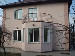 Современная отделка фасадов под стиль «короед» является весьма неплохим решением для оформления фасадов