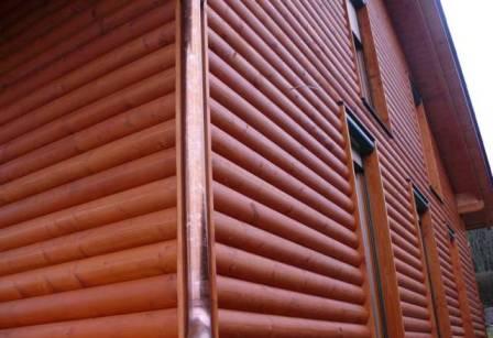 Для наружной облицовки зданий более приемлема широкая доска