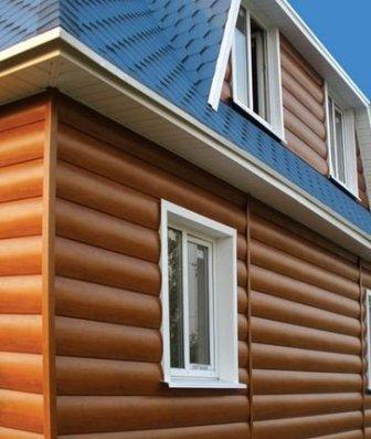 Комбинация цветов винилового блок-хауса, придает более естественный вид дому
