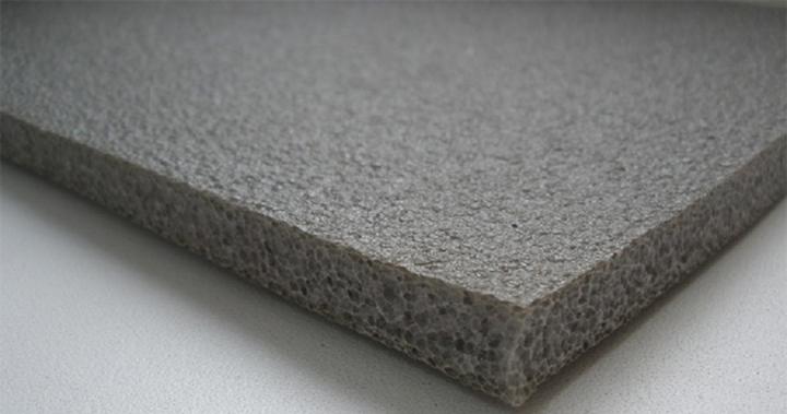 Вспененные полиэтилены часто используются для обустройства фасадов снаружи и имеют хорошие показатели качества, которые дополнены невысокой стоимостью