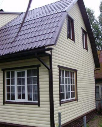 Пластиковый блок-хаус монтируется очень просто, и на много быстрее деревянного