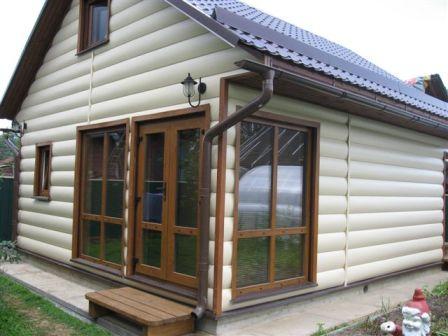 Перед монтажом пластикового блок-хауса его нужно адаптировать к температуре внешней среды, минимум, в течении суток