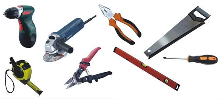 Самостоятельная установка сайдинговых панелей требует использования стандартного набора инструментов
