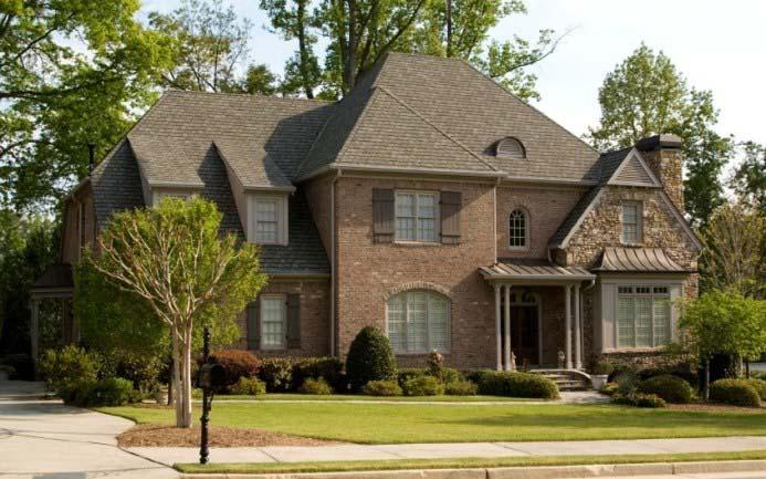 Для дома следует выбирать проверенные временем и надежные материалы
