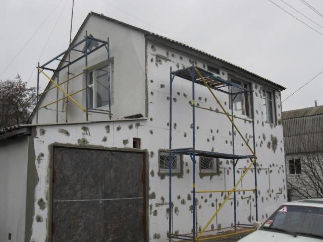 Правильный расчет необходимого количества материалов производится исходя из общей площади поврежденных участков фасада