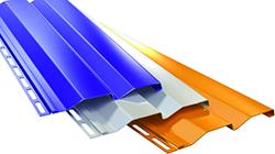 Богатый выбор железного сайдинга позволяет выполнить качественную отделку фасада дома