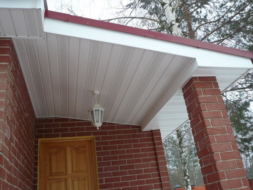 Подшить карниз крыши софитом своими руками фото 520