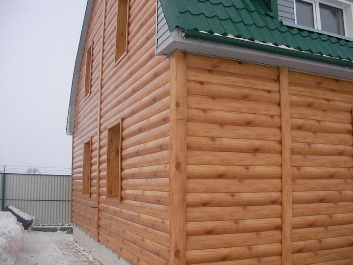 Деревянный вариант сайдинга является аналогом деревянной вагонки, для выработки которой применяется не цельная древесина, а древесные волокна