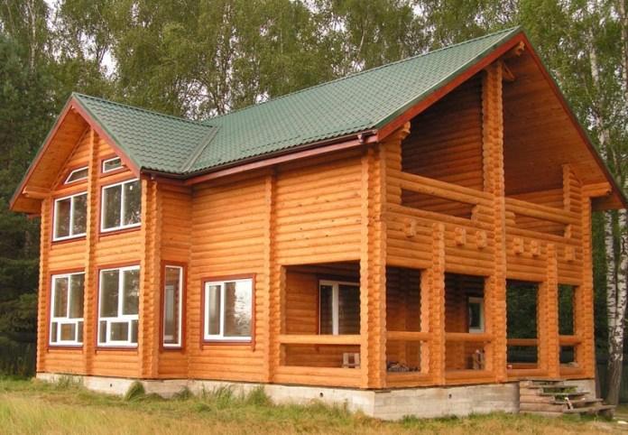 Долговечность отделки панелями блок-хаус напрямую будет зависеть от качества выполненного монтажа и учета основных особенностей такого материала