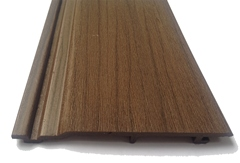 Сайдинг из ДПК называют материалом на основе «жидкого дерева»