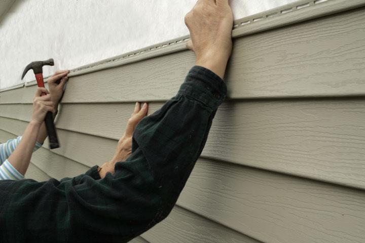 Установка панелей своими руками должна вестись поэтапно и строго в соответствии с приложенной к материалу инструкцией