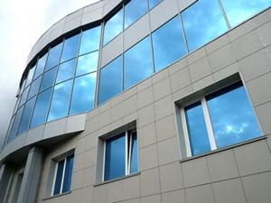 Навесной вентилируемый фасад является сложной системой, монтаж не по технологии скажется на сроке службы всего фасада