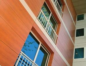 Фасад подвержен воздействию внешней среды. Некачественные материалы быстро потеряют эстетический вид