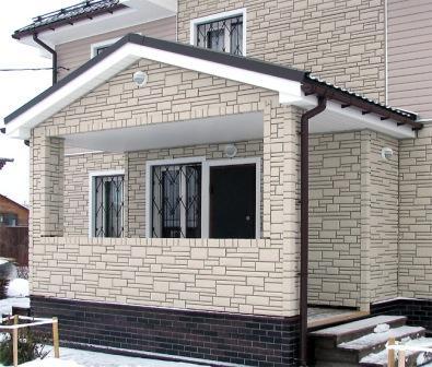 «Цокольный» фасад – использование материалов имитирующих камень или кирпич