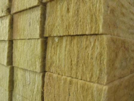 Минеральная вата – экологичный и негорючий материал для теплоизоляции фасадов