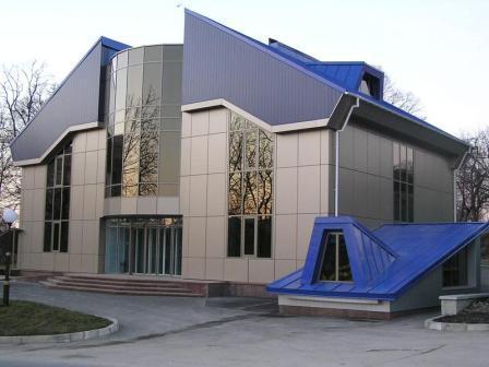 Облицовка фасада – одновременно и защитная и декоративная деталь
