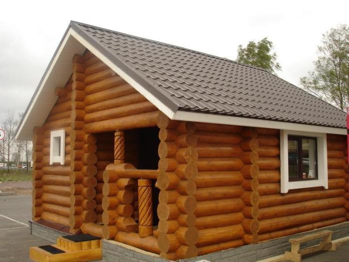 Монтировать блок-хаус можно на фасады из кирпича, камня, бетона, газосиликатных блоков и дерева