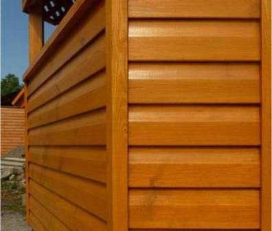 Натуральная древесина обладает массой положительных качеств, благодаря которым является одним из лидирующих строительных и отделочных материалов