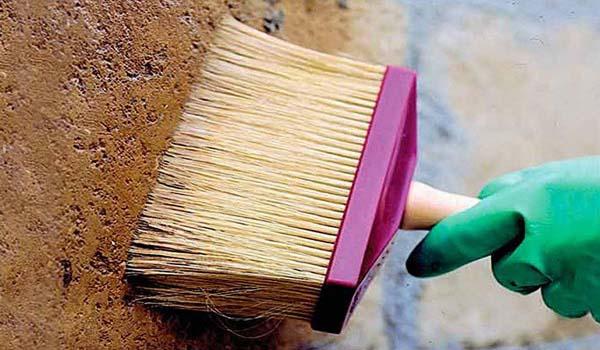 Рекомендуется полностью удалить старый красящий состав с поверхности, подлежащей окрашиванию